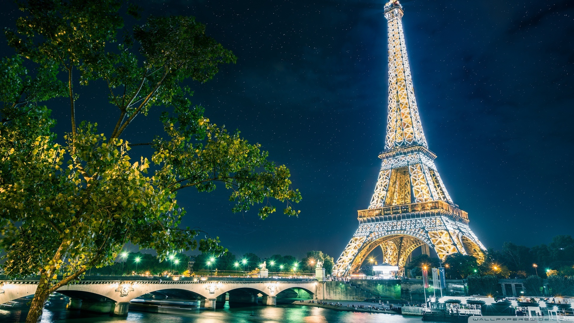 5250739_3924768_2746201_9739157eiffel_tower_11-wallpaper-1920x1080